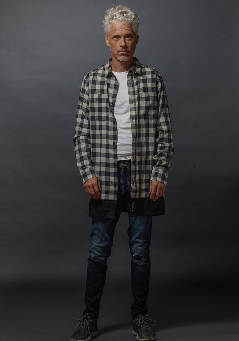 Konus Longline Button Up Shirt in Plaid