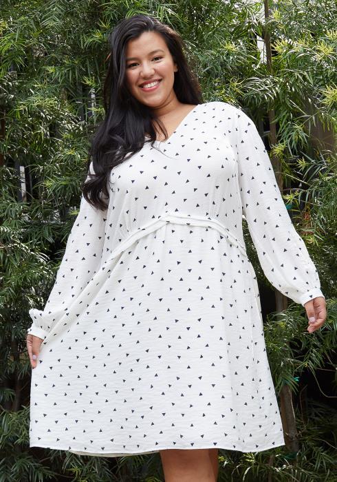 Nurode Plus Size Triangle Print Long Sleeve V-Neck Dress