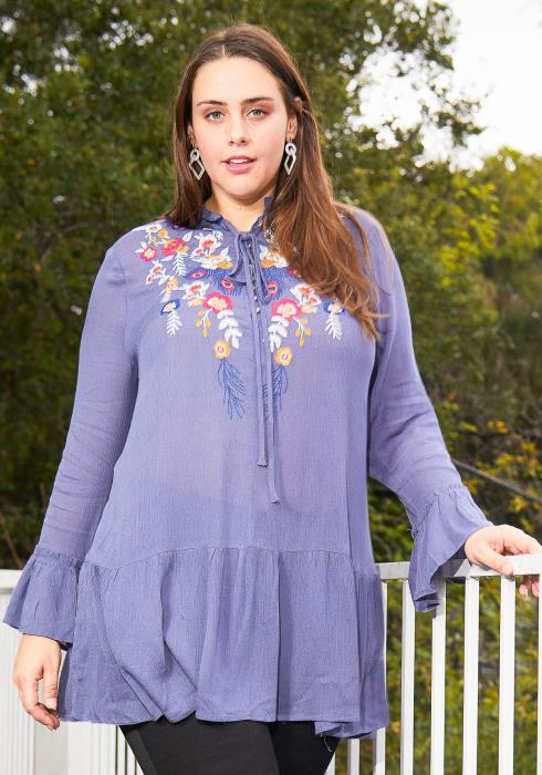 Asoph Plus Size Flower Embossed Tunic Top