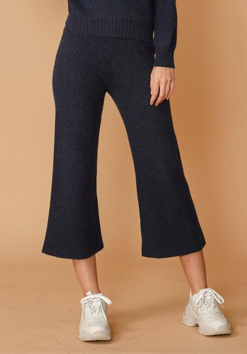 Nurode Ribbed Crop Pants