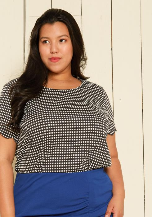 Pleione Plus Size Grid Pattern Top