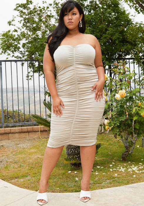 Asoph Plus Size Strapless Ruched Bodycon Dress