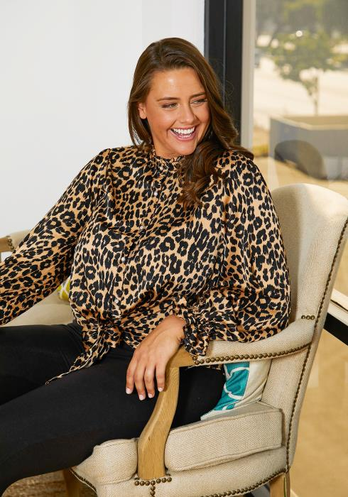 Asoph Plus Size Leopard Printed Blouse