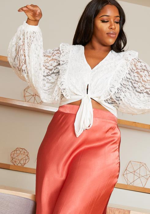 Asoph Plus Size Dreamy Flowy Lace Crop Top