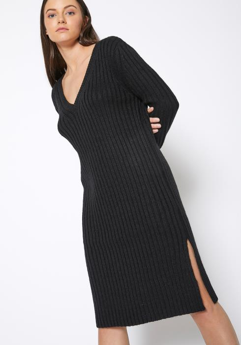 Ro & De Ribbed Knit V Neck Sweater Midi Dress