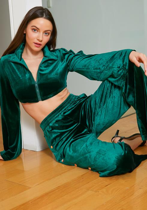 Tansy Womens Green Velvet Crop Top Sweater & Pants Set