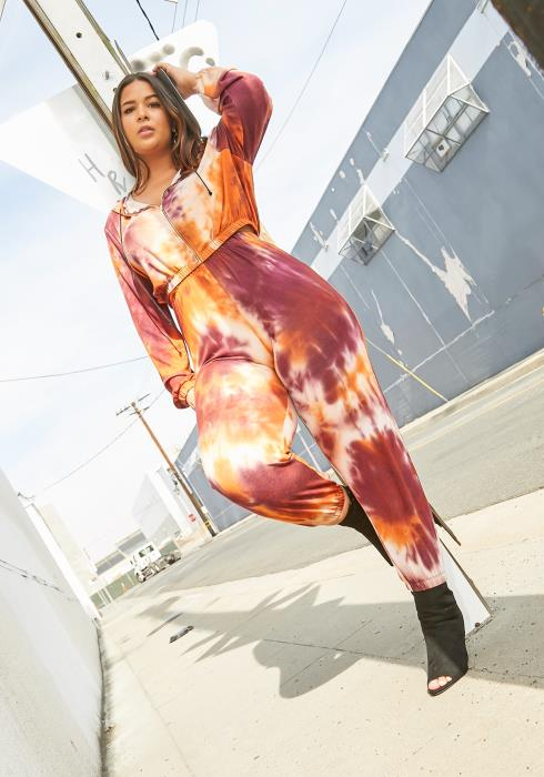 Asoph Curvy Womens Sunset Tie Dye Hooded Sweater & Pants Set