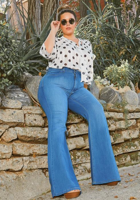 Vibrant Plus Size Basic Blue Washed Flared Hem Jean