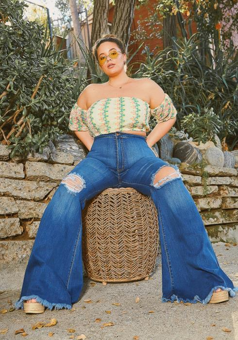 Vibrant Plus Size Retro Bell Botton Jean