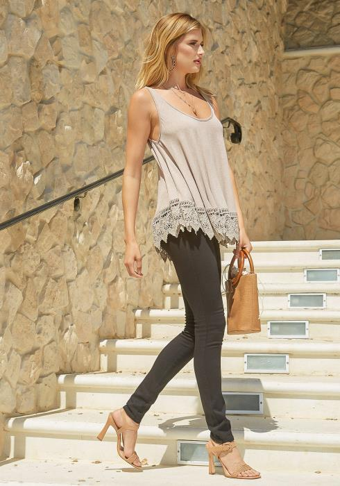 Monoreno Crochet Trim Scoop Neck Tank Top