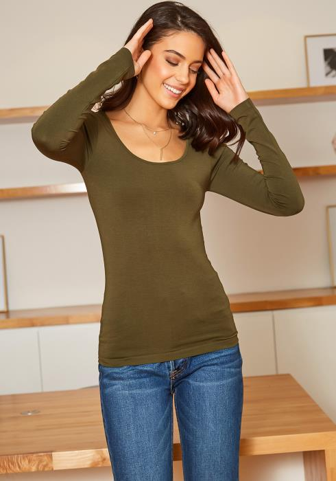 Eco Zone Seamless Scoop Neck Long Sleeve Top