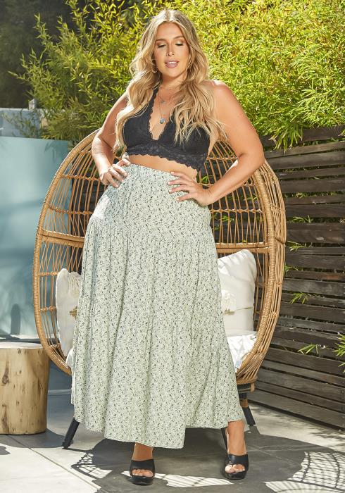 Asoph Plus Size Dainty Floral Print Flare Maxi Skirt