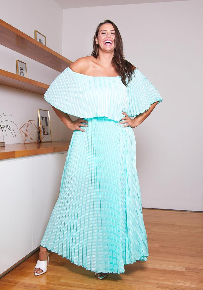Asoph Plus Size Pleated Mint Maxi Dress | Asoph.com