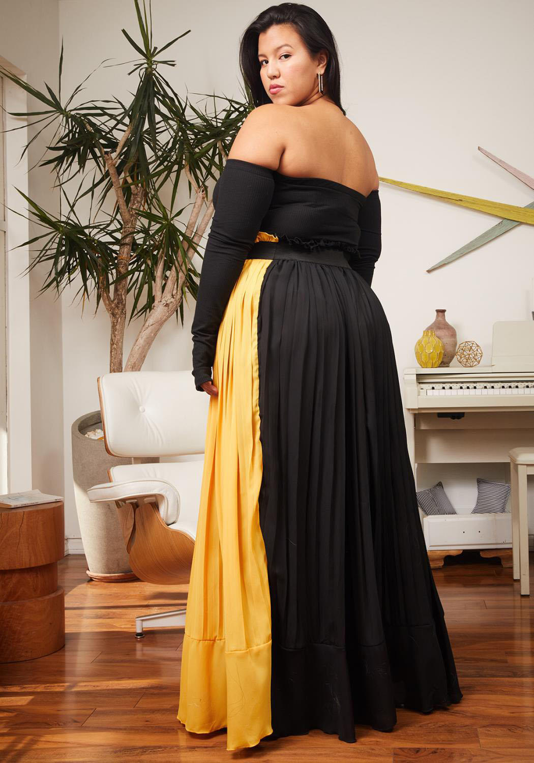 945b3a2e5 Asoph Plus Size Pleated Color Block Maxi Skirt | Asoph.com